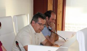 Joan Gilabert i Fran Quesada al Ple del Consistori ontinyentí