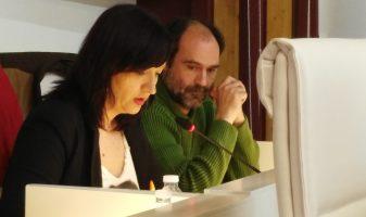 Sílvia i Fran al plenari d'abril